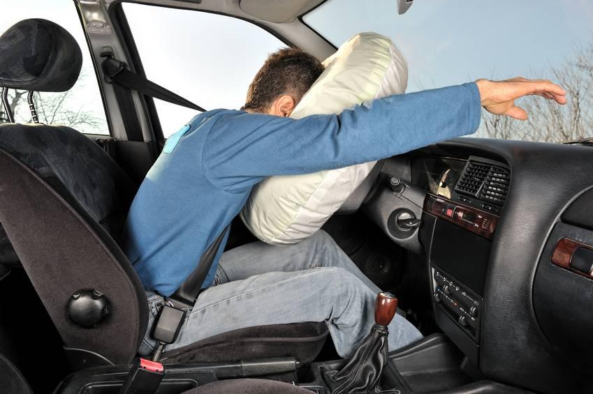 Airbag-ul iti face probleme? Iata cele 3 semne care iti indica o defectiune si cum   poate fi REZOLVATA!
